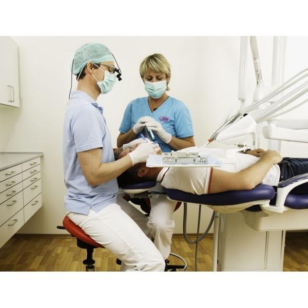 Salli Light - эргономичный стул врача-стоматолога